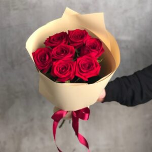 Букет из красных роз (7шт х60см)