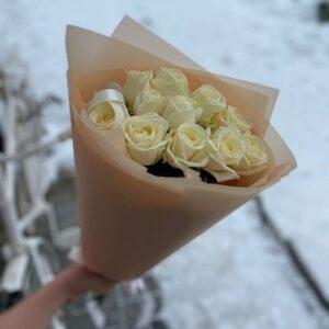Букет из белых роз (11 шт х60см)
