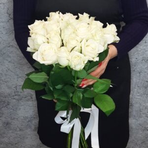Букет из белых роз (17шт х60см)