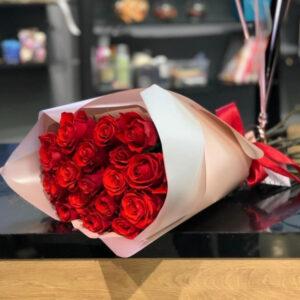 Букет из красных роз (17шт х60см)