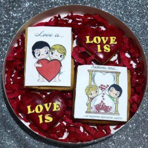 """საჩუქრის ტკბილეული """"Love is"""""""