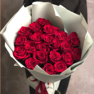 Букет из красных роз (21шт х70см)