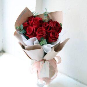 Композиция из красных роз(9шт 60см)