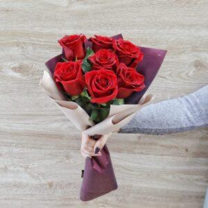 Букет из роз (7шт 60см)