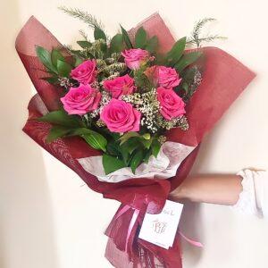 Композиция из  пудрово-розовых роз (7шт 60см)
