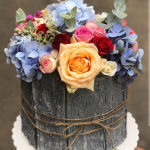 Торт «Цветочный подарок»