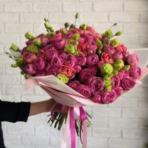 Букет из пионовых роз